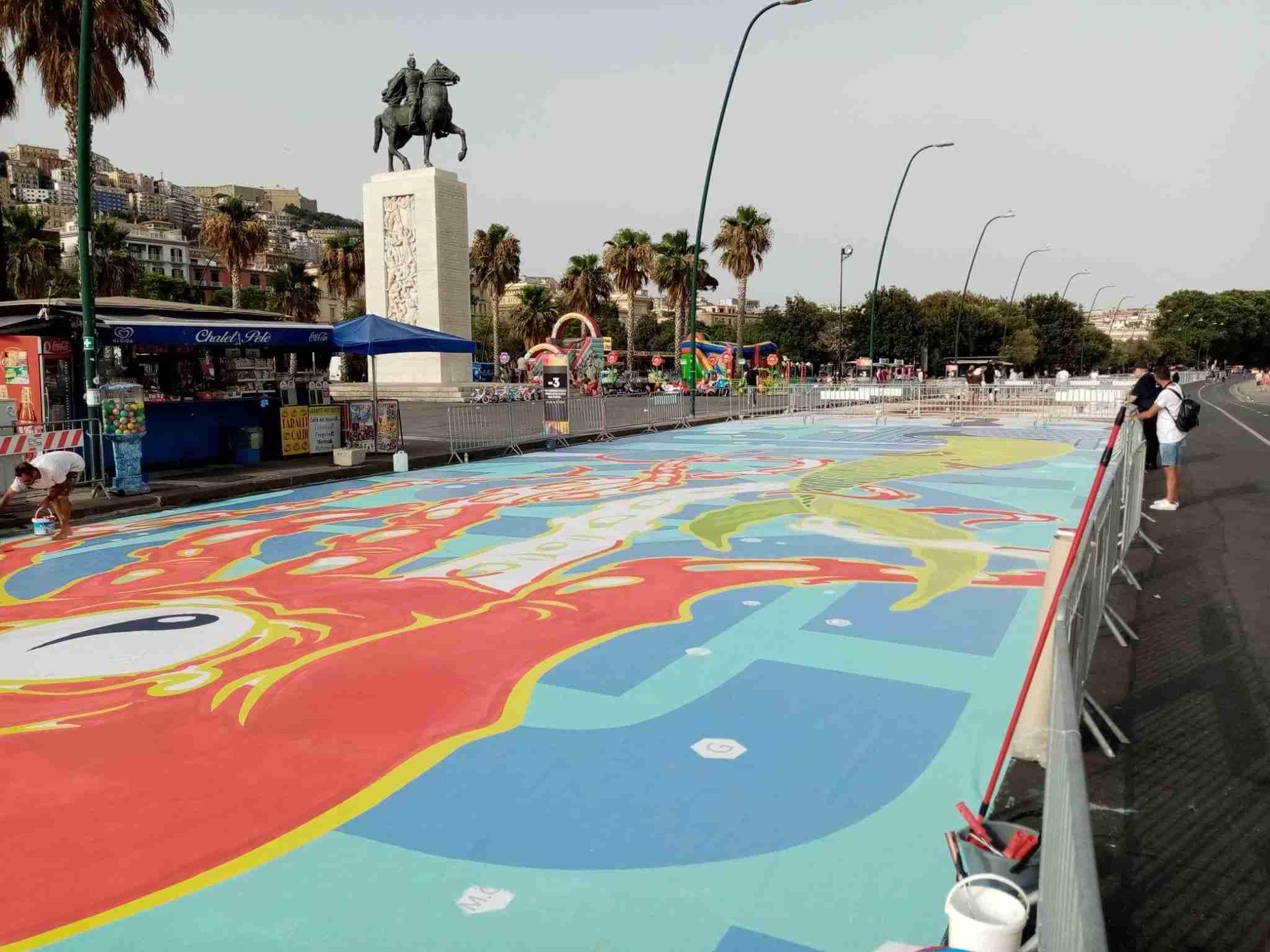I colori della street art sul lungomare di Napoli