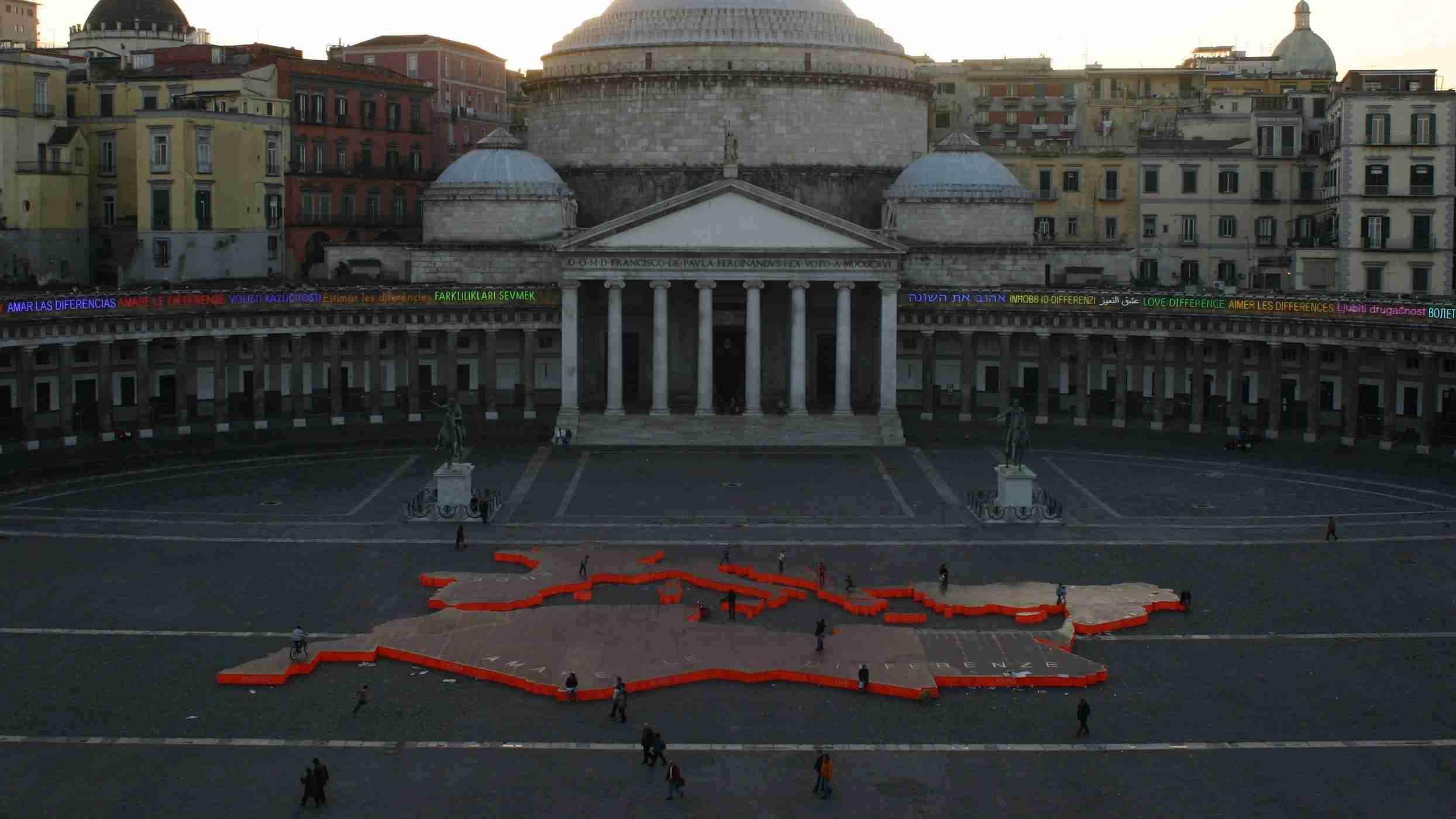 Michelangelo pistoletto piazza plebiscito